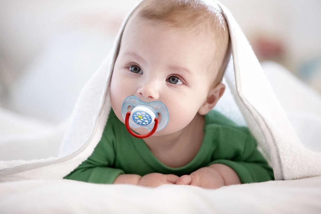 Вред и польза соски для ребенка
