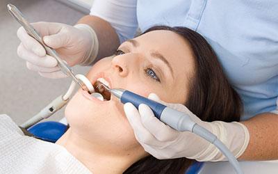 как удаляют зубной камень ультразвуком фото