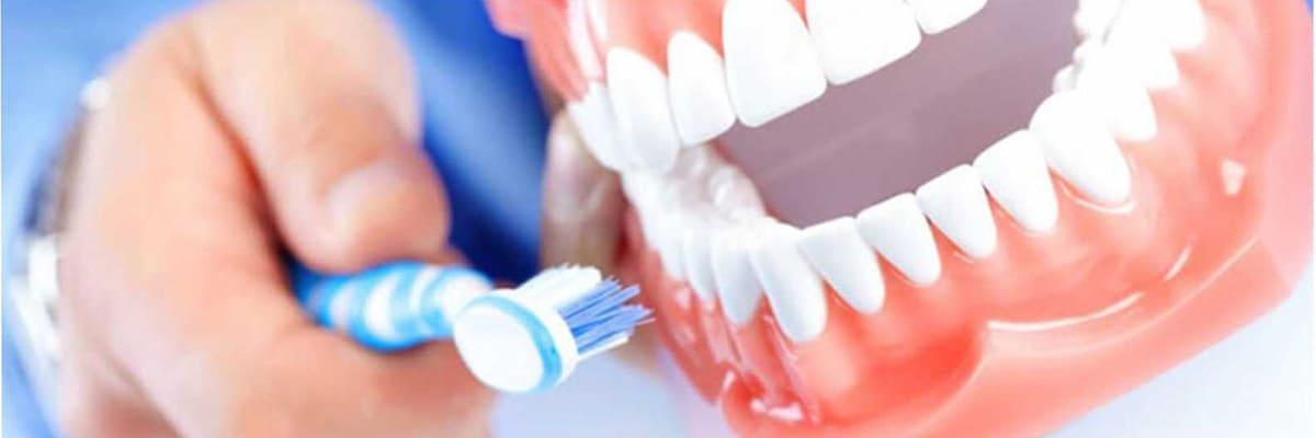 сколько чистить зубы